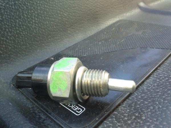 Замена датчика холостого и заднего хода ВАЗ 2109 инжектор и карбюратор фото где находится